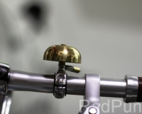 Goldene Fahrradklingel