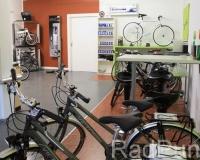 Verkaufsraum mit Fahrräder